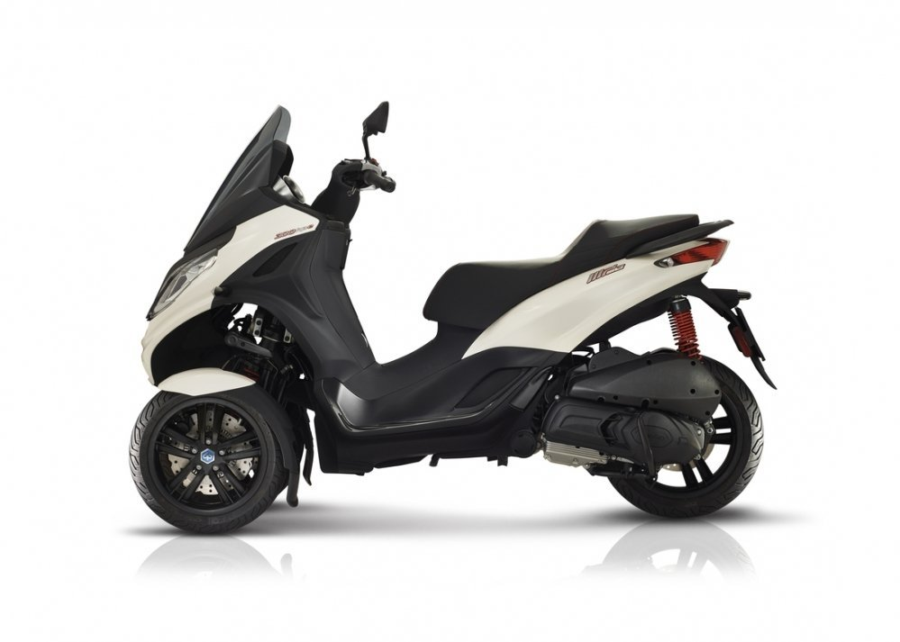 Piaggio-MP3-S-300-grigio-hpe-motor-scooter-den-haag-westland-new-model-wit-white-side