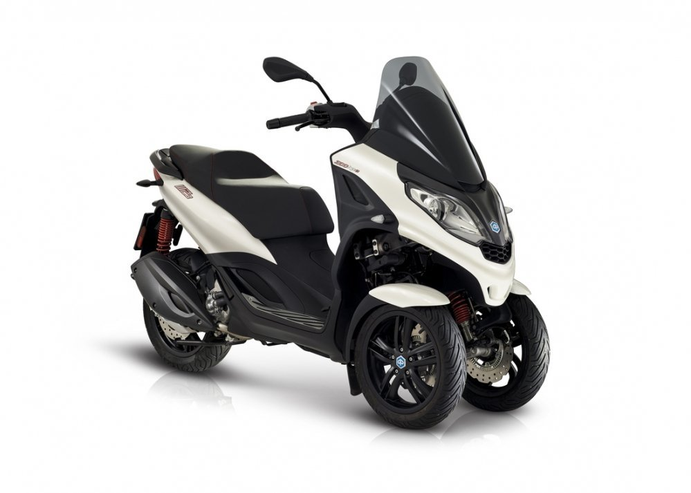 Piaggio - Piaggio-MP3-S-300-grigio-hpe-motor-scooter-den-haag-westland-new-model-wit-white
