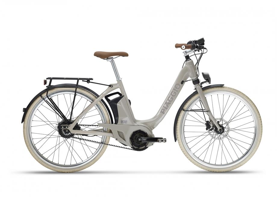 Piaggio-WI-BIKE-Comfort-plus-donna-hoek-van-holland