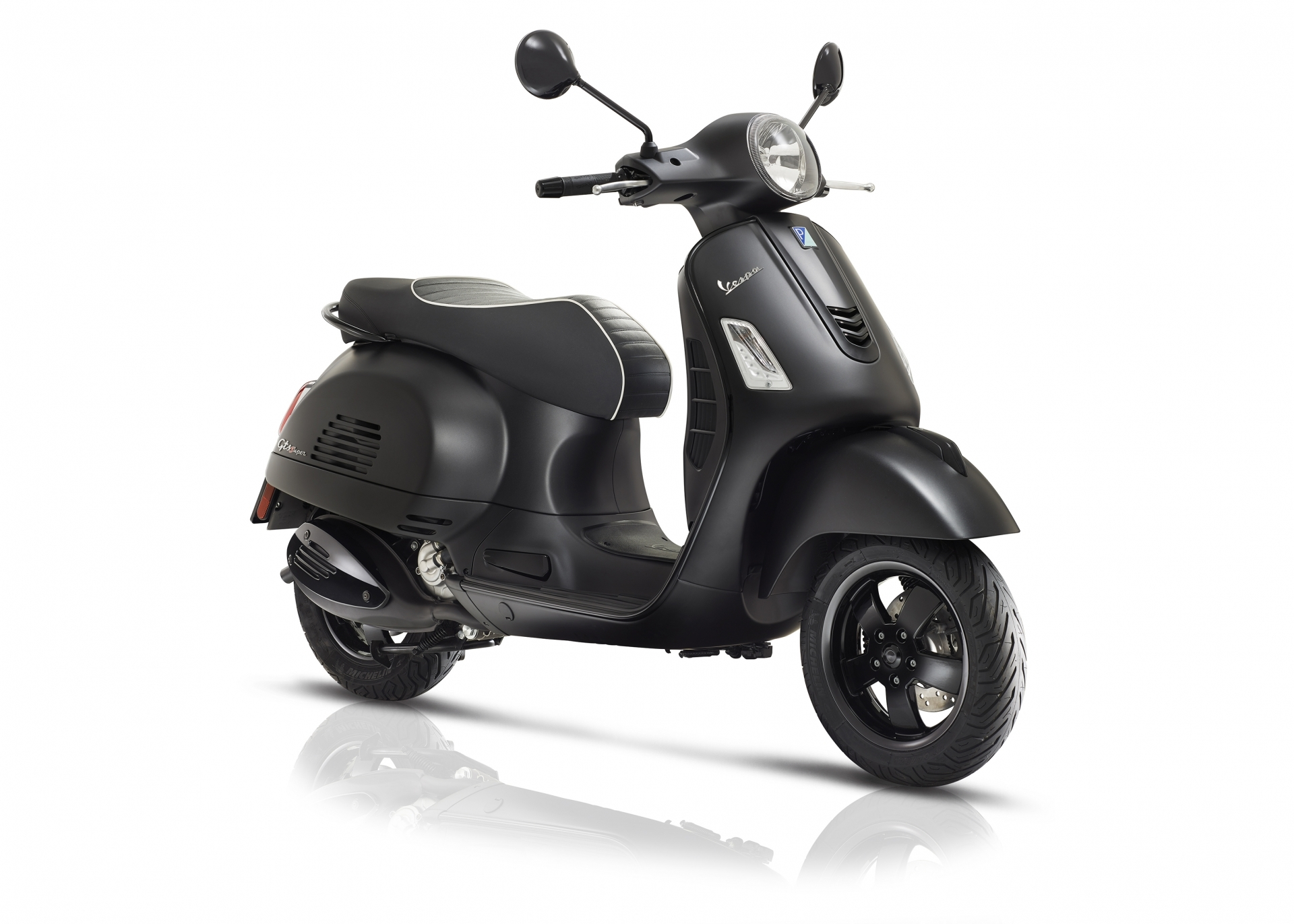 Vespa-GTS-Super-Notte-model-2018-new-nieuw-piaggio-tensen-tweewielers-2018-matt-black-sportief-snel-motorscooter-akrapovic-drpulley-jcosta-scooterwinkel-naaldwijk-delft-rijswijk-rotterdam-leiden