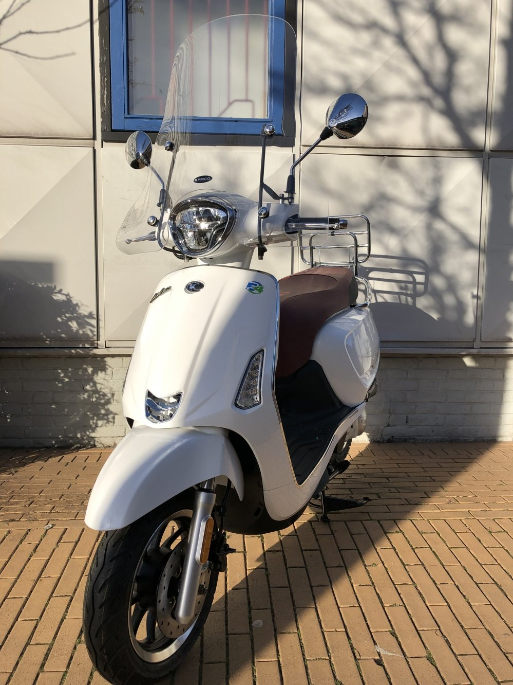 kymco-scooter-like-new-agility-super-people-motor-ak550-tensen