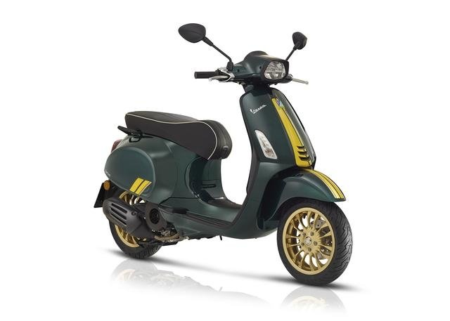 sprint-racing-sixties-vespa-nieuw-new-model-wit-groen-scooter-modern-special