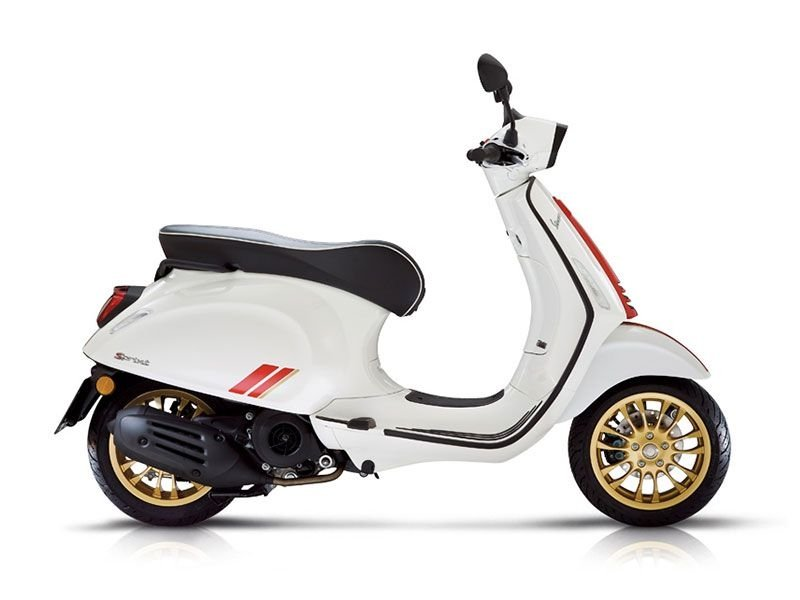 sprint-racing-sixties-vespa-nieuw-new-model-wit-groen-scooter-modern