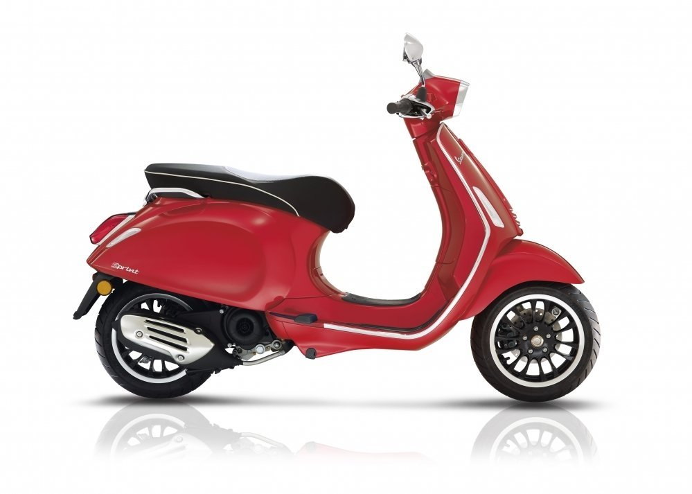 Vespa-sprint-wit-2018-nieuw-new-model-tensen-tweewielers-westland-naaldwijk-scooter-brommer-rood-red-rosso
