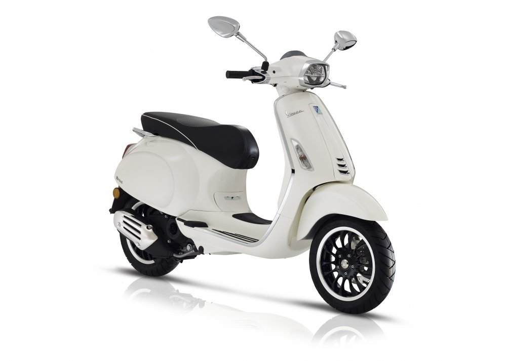 Vespa-sprint-wit-2018-nieuw-new-model-tensen-tweewielers-westland-naaldwijk-scooter-brommer-wit-white