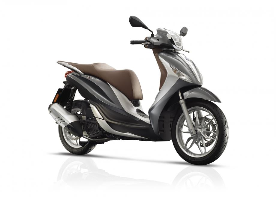 Piaggio-Medley-s-125-cc-motor-scooter