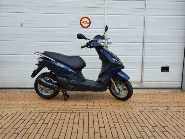 Piaggio - piaggio-brom-scooter-tweedehands-tensen-fly-blauw