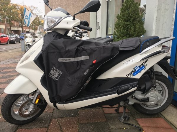 Uitrusting voertuig - tucano-beenkleed-been-kleed-accessoires-hand-schoen-kopen-webshop-tensen-scooter-center-online-bestellen-naaldwijk-wateringen-winter-vespa-zip-fly-neo-kymco