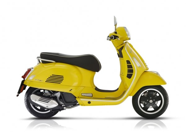 Vespa - vespa-gts-super-motor-scooter-motorscooter-geel-sportief-westland-den-haag-kanarie-black-and-yellow
