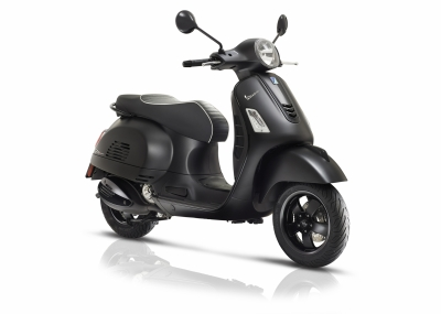 Vespa - Vespa-GTS-Super-Notte-model-2018-new-nieuw-piaggio-tensen-tweewielers-2018-matt-black-sportief-snel-motorscooter-akrapovic-drpulley-jcosta-scooterwinkel-naaldwijk-delft-rijswijk-rotterdam-leiden